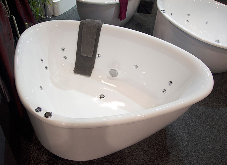 corner freestanding baths